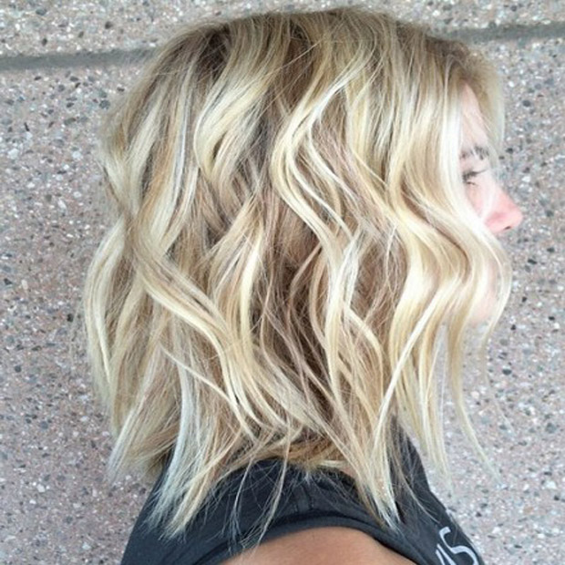 Blonde Hair Color Idea for Wavy Bob Hairstyle
