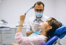8 Signs You Need to Visit a Dentist Right Now (1)